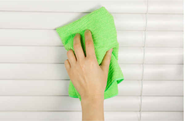 spring cleaning window blinds